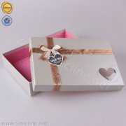 Gift packaging box with ribbon BX187